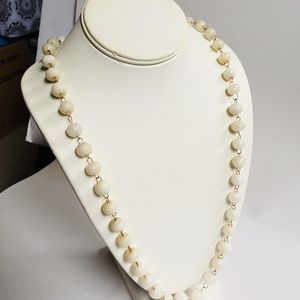 Jewelry - VINTAGE OFF WHITE GLASS BEADED NECKLACE